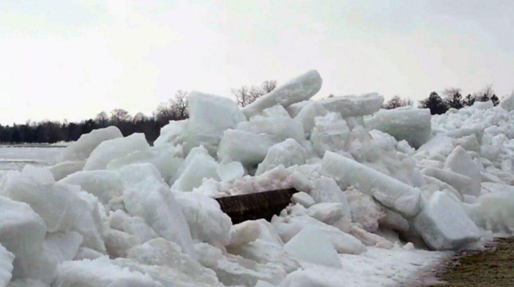 ice tsunami niagara parks, ice tsunami niagara falls, ice tsunami niagara river parkway, ice tsunami niagara parks video, ice tsunami niagara parks february 2019