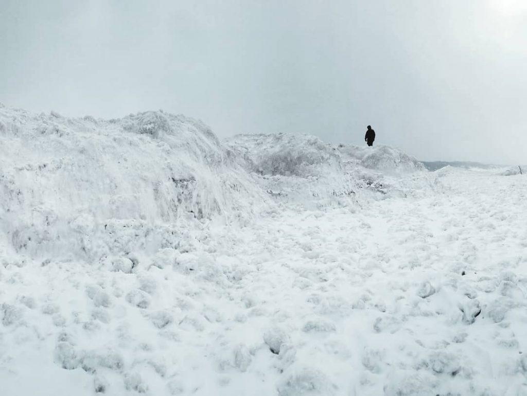 lake michigan frozen, frozen lake michigan, lake michigan freezes during polar vortex