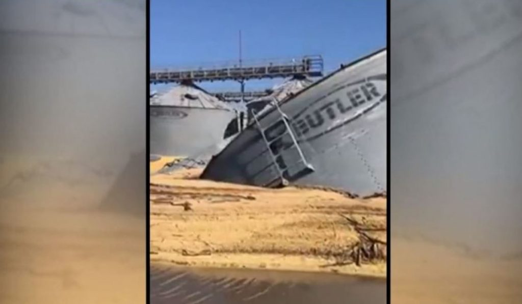 US grain bins collapse under catastrophic Iowa floods, US grain bins collapse under catastrophic Iowa floods video, US grain bins collapse under catastrophic Iowa floods march 2019