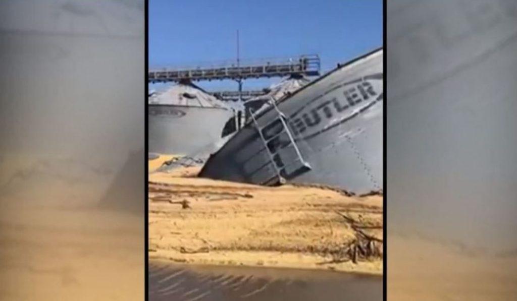 US grain bins collapse under catastrophic Iowa floods, US grain bins collapse under catastrophic Iowa floods video, US grain bins collapse under catastrophic Iowa floods march 2019