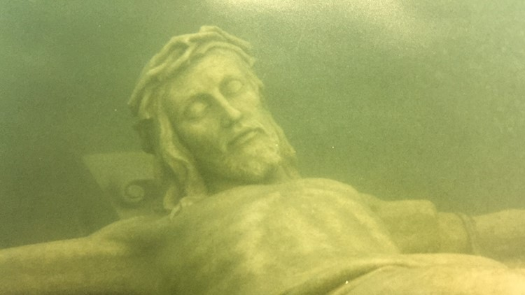 The Underwater Crucifix! Petoskey, MI  Jesus-christ-statue-lake-michigan