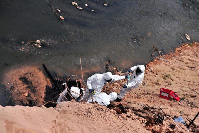 Malaysia Hazmat chemical dumping river