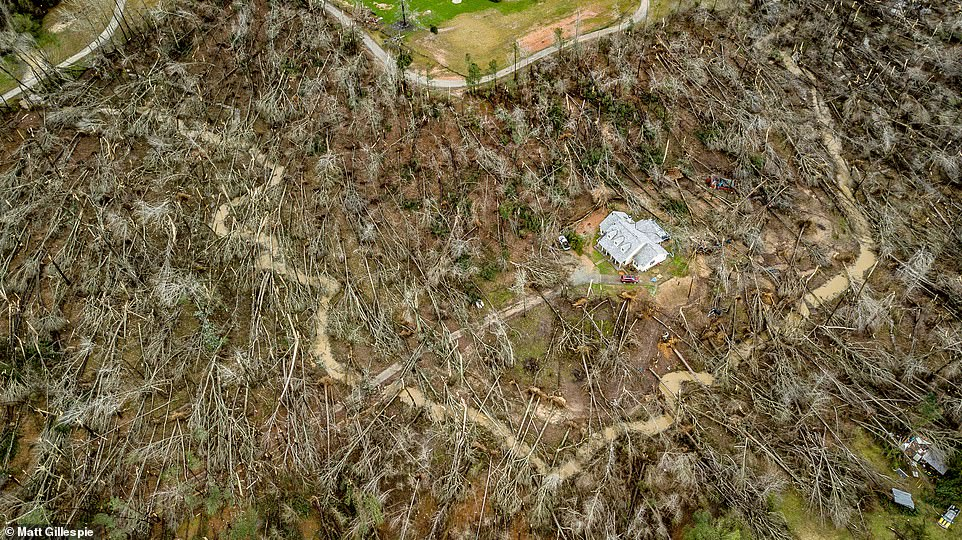 miraculous home tornado alabama georgia, miraculous home tornado alabama georgia video, miraculous home tornado alabama georgia drone video
