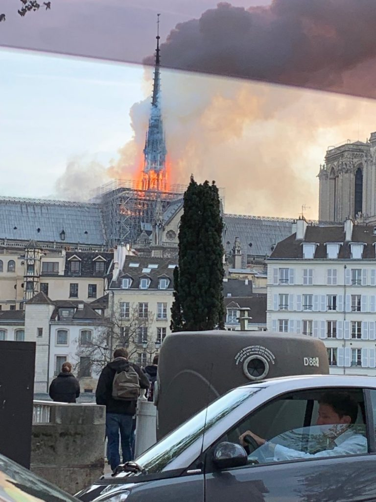 notre dame paris fire, notre dame paris fire video, notre dame paris fire pictures