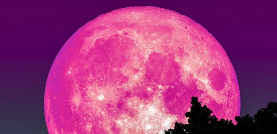Amazing pink fullmoon set to rise over Earth on Good ...