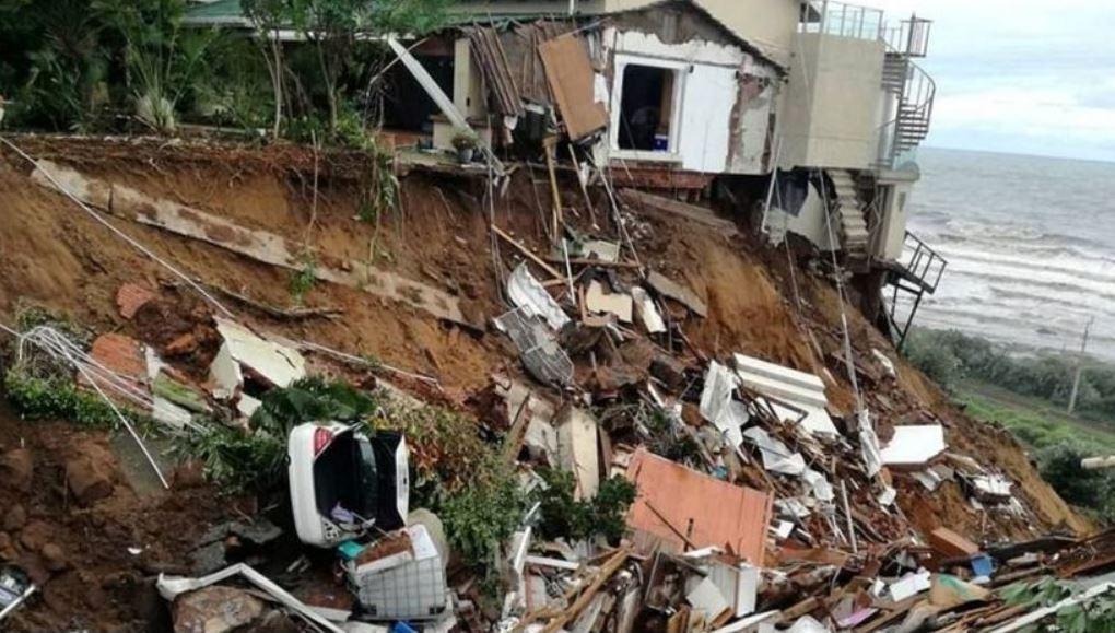 south africa durban floods landslides, south africa durban floods landslides video, south africa durban floods landslides april 2019, south africa durban floods landslides pictures