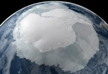 A gigantic cavity growing under West Antarctica that scientists say covers two-thirds the footprint of Manhattan and stands almost 300 metres (984 ft) tall hhas been discovered under Thwaites Glacier