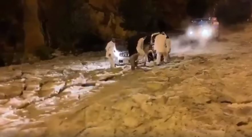 hailstorm saudi arabia blocks road traffic, hailstorm saudi arabia blocks road traffic video, hailstorm saudi arabia blocks road traffic pictures, hailstorm saudi arabia blocks road traffic may 2019