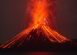 How many volcanoes have the potential to trigger devastating tsunamis?, How many volcanoes have the potential to trigger devastating tsunamis like anak krakatau?, krakatau tsunami volcanoes world