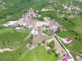 Major landslide destroys 53 buildings and a mosque in Ordu, Turkey, Major landslide destroys 53 buildings and a mosque in Ordu, Turkey may 2019, Major landslide destroys 53 buildings and a mosque in Ordu, Turkey photo, Major landslide destroys 53 buildings and a mosque in Ordu, Turkey video