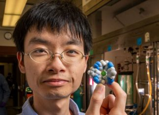 Indiana University researchers have created a powerful new molecule for the extraction of salt from liquid. The work has the potential to help increase the amount of drinkable water on Earth.