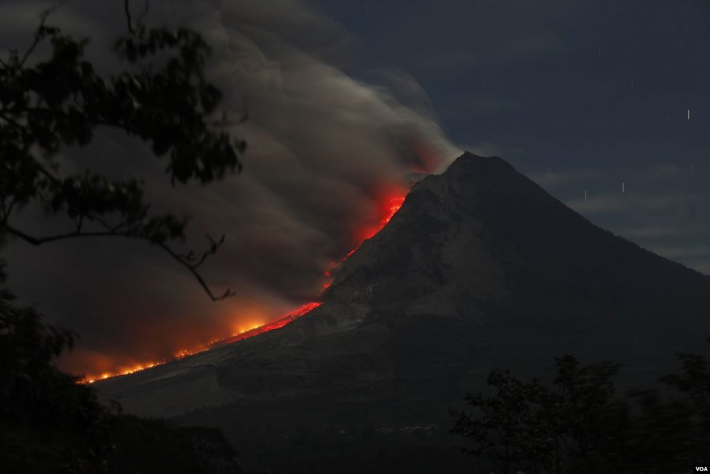 sinabung eruption may 2019, sinabung eruption may 25 2019, sinabung eruption video