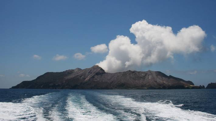 new zealand volcano alert level raised, Whakaari - White Island volcano alert level raised, Whakaari - White Island new june 2019, Whakaari - White Island earthquake swarm record gas