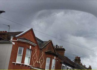 london mysterious cloud trump visit, london mysterious cloud trump visit video, london mysterious cloud trump visit pictures, london mysterious cloud trump visit asperatus cloud
