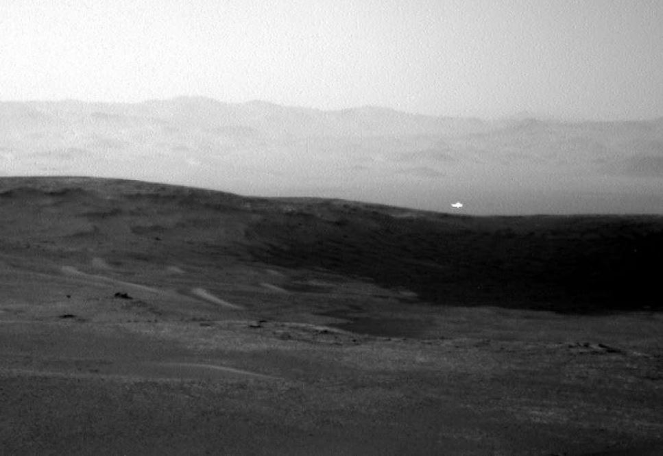 mars glowing light, mysterious glowing light mars, martian glowing light mystery