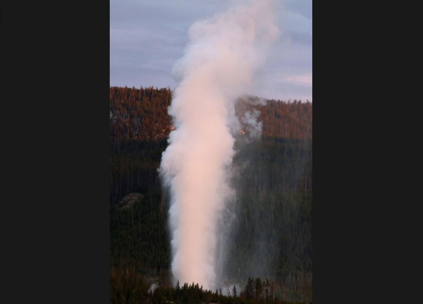 Yellowstone steamboat geyser eruption continues breaking records in June 2019, yellowstone steamboat geyser eruption record