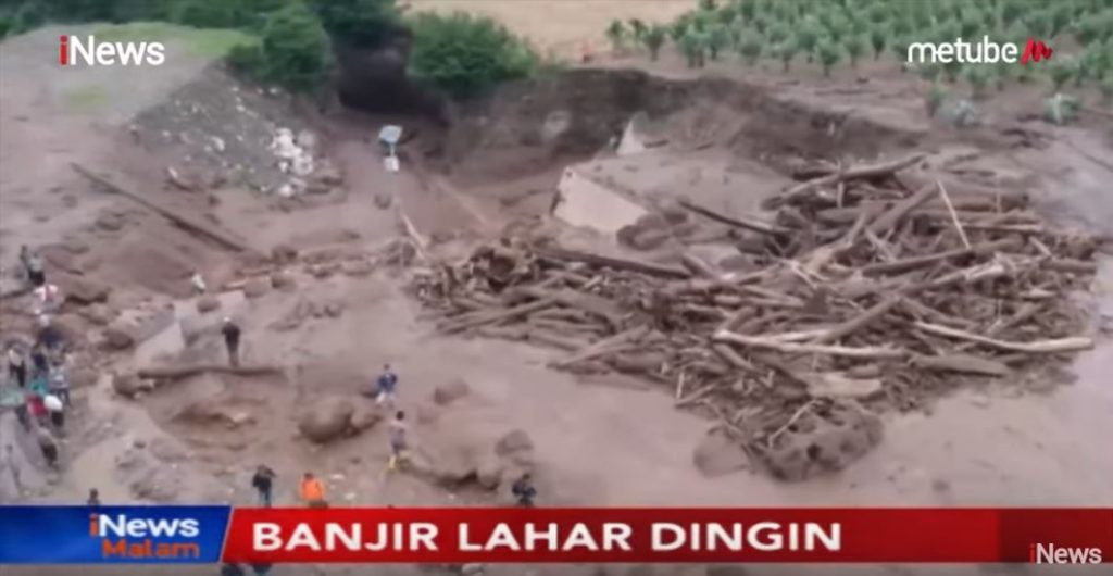 lahar sinabung volcano video, lahar sinabung volcano indonesia video, lahar sinabung volcano indonesia video july 2019