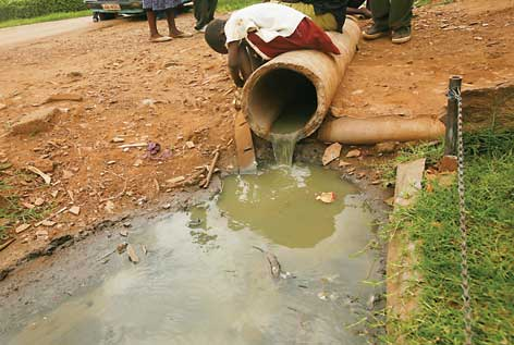 zimbabwe water crisis, 2 millions residents of Harare without water