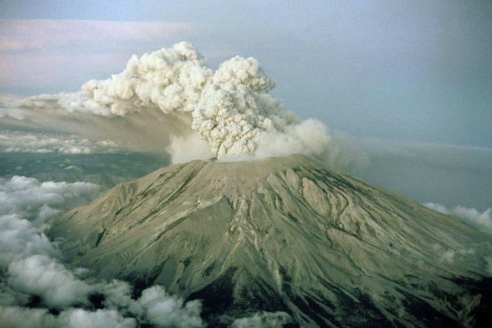 US volcanic threat, major volcanic threat usa, usa volcano eruption threat, most dangerous volcanoes usa
