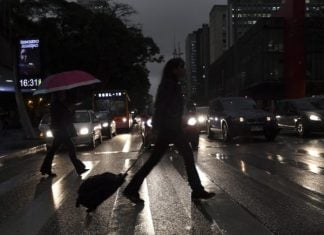 amazon fires plunge sao paulo into darkness, amazon fires plunge sao paulo into darkness video, amazon fires plunge sao paulo into darkness picture, amazon fires plunge sao paulo into darkness august 2019