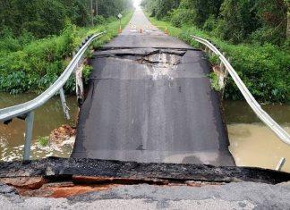 Bridge on road between Florida-Georgia line collapses
