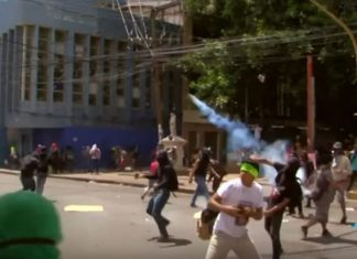 Thousands protest against Honduran president after drug link surfaces