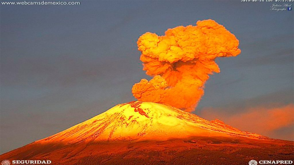 Massive eruptions of Popocatepetl volcano on August 14 2019, Massive eruptions of Popocatepetl volcano on August 14 2019 video, Massive eruptions of Popocatepetl volcano on August 14 2019 pictures