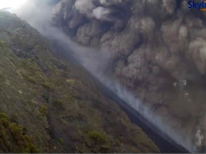 stromboli eruption august 28 2019, stromboli eruption august 28 2019 video, stromboli eruption august 28 2019 pictures