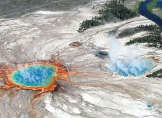 What would happen if the Yellowstone supervolcano actually erupted?