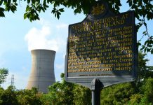 three mile island nuclear plant shuts down