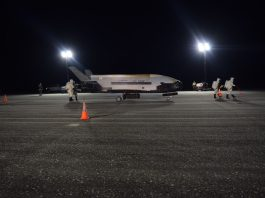 The mysterious X-37B breaks record and lands after 780 days in orbit