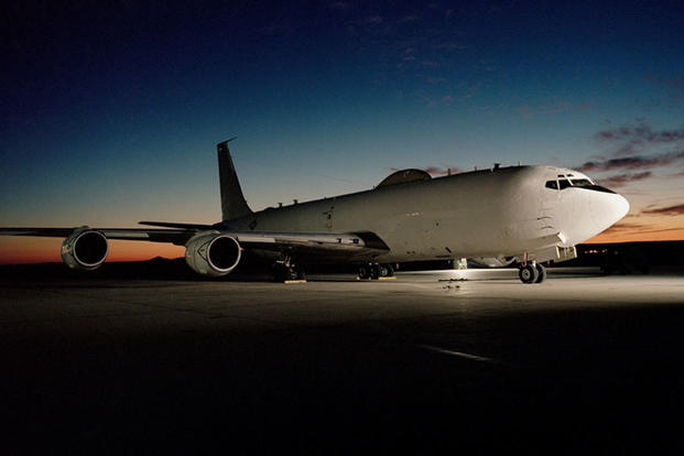 doomsday aircraft bird US navy, Bird takes down a doomsday aircraft (E-6B Mercury) meant to resist a nuclear attack on October 5 2019