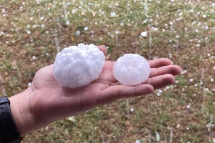 huge hail brisbane nsw queensland australia fires, australia fires big hail, big hail south-east queensland, brisbane hail november 2019