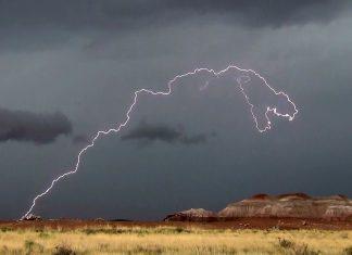Dinosaur lightning, lightning kills 5 football players zambia