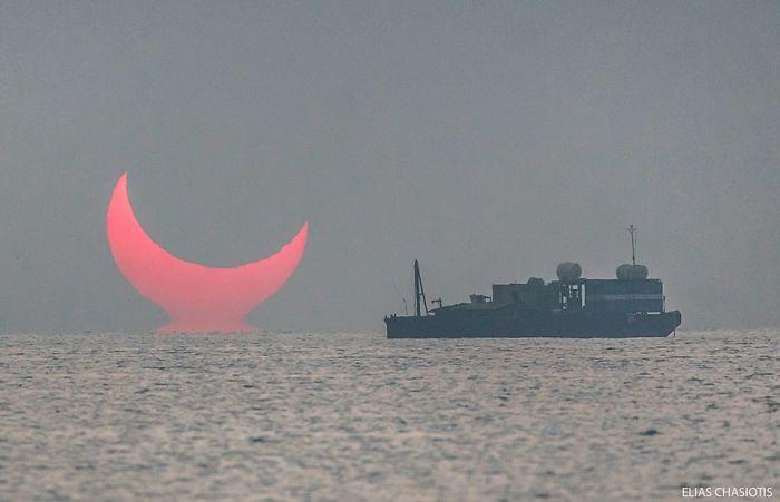 devil horns solar eclipse sunrise, devil horns solar eclipse sunrise pictures, devil horns solar eclipse sunrise video