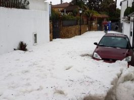 Car trapped in huge hail accumulation in Malaga on January 23 2020