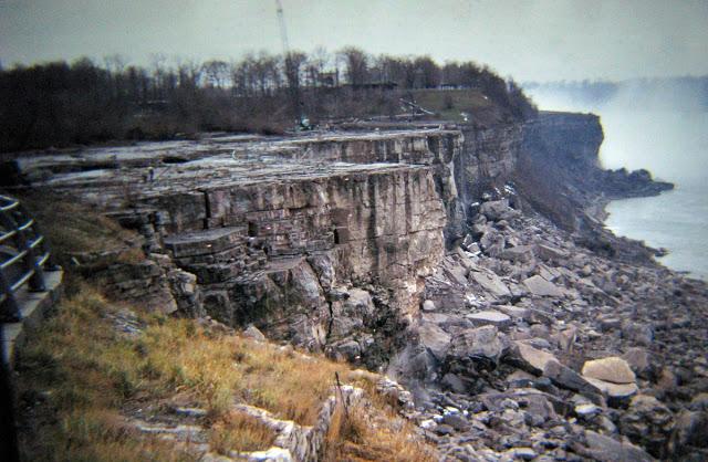niagara waterfalls dry, no water niagara waterfalls, why did niagara waterfalls dry in 1969