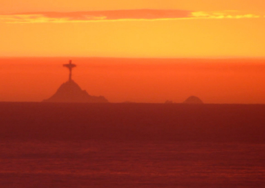 Fata Morgana, Christ the Redeemer appeared off San Francisco, statue of Christ the Redeemer appeared off San Francisco, statue of Christ the Redeemer appeared off San Francisco picture, statue of Christ the Redeemer appeared off San Francisco video