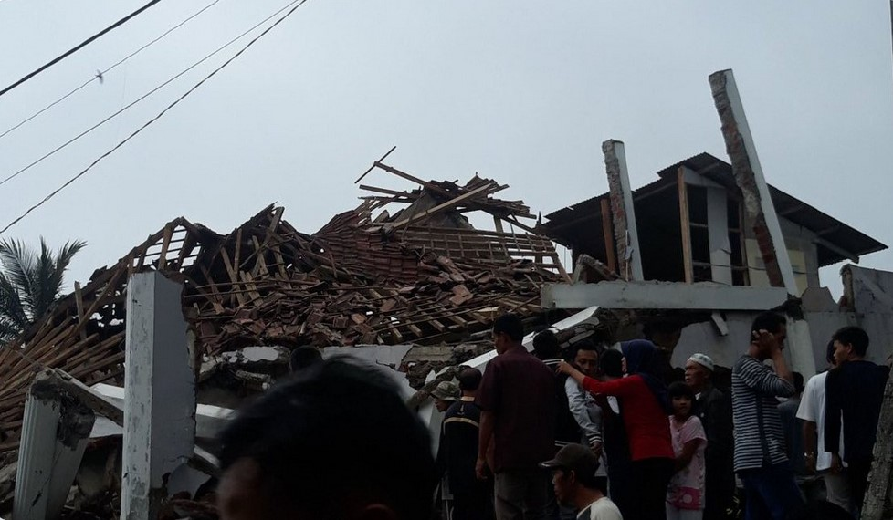 Dangerous earthquake hits near Jakarta Indonesia March 10 2020, Dangerous earthquake hits near Jakarta Indonesia March 10 2020 video, Dangerous earthquake hits near Jakarta Indonesia March 10 2020 pictures, Gempa Sukabumi