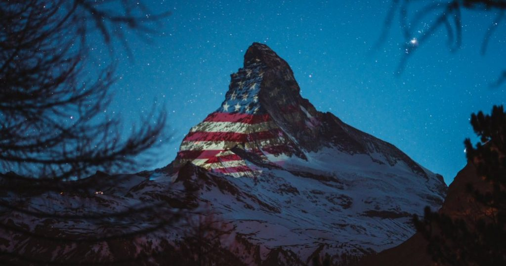 As a sign of solidarity, the American flag was projected onto the Matterhorn last night. Switzerland is sending hope and strength to the United States of America. Photo: Gabriel Perren
