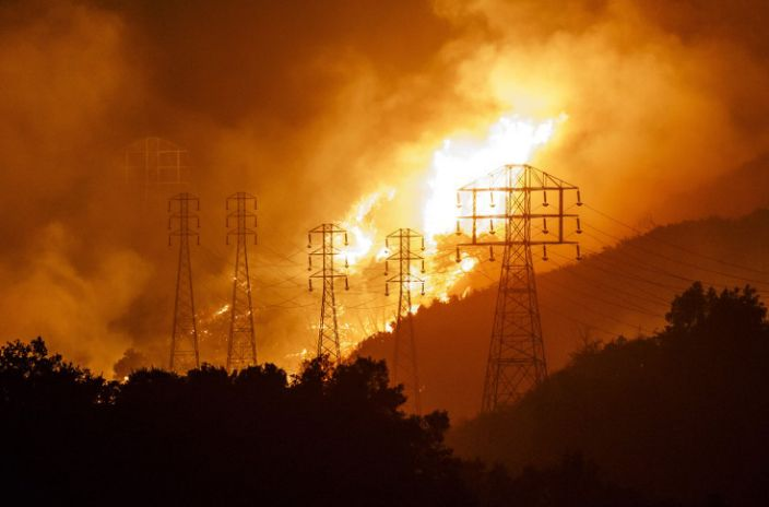California's wildfires aren't going to stay quarantined for coronavirus