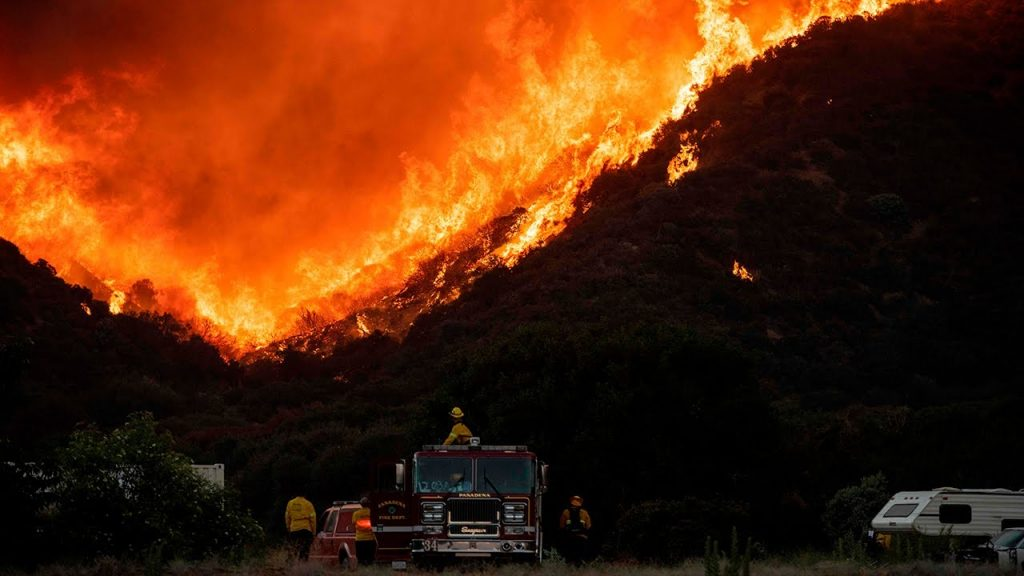 Apple Fire, Apple Fire california, Apple Fire video, Apple Fire pictures, Apple Fire august 2020 california