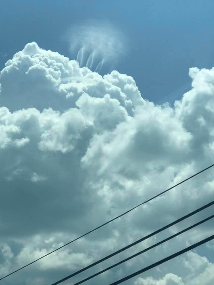 3 little aliens dancing over cloud in Alabama, strange clouds alabama, weird cloud formation alabama, asheville 3 aliens cloud, mysterious cloud like 3 tornadoes over cloud in Asheville alabama