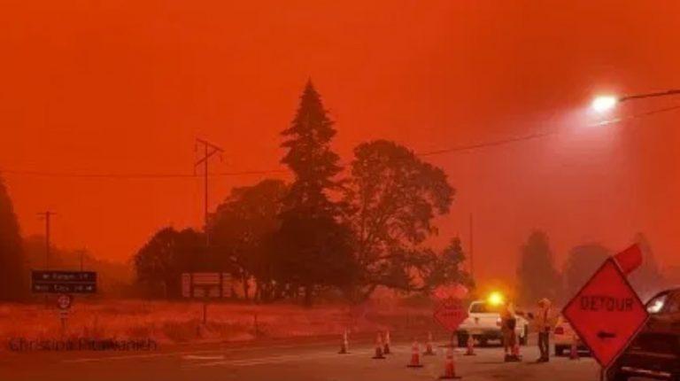 blood red sky fires oregon, blood red sky fires oregon videos, blood red sky fires oregon pictures, blood red sky fires oregon news