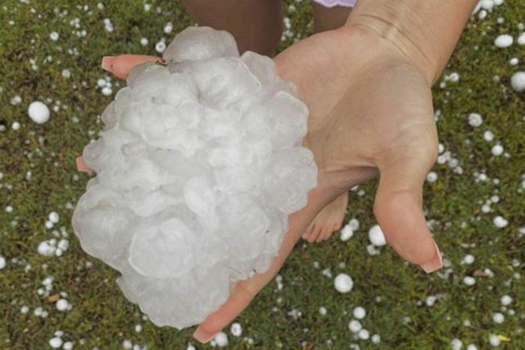 giant hail brisbane queensland, giant hail brisbane queensland video, giant hail brisbane queensland pictures, giant hail brisbane queensland october 2020