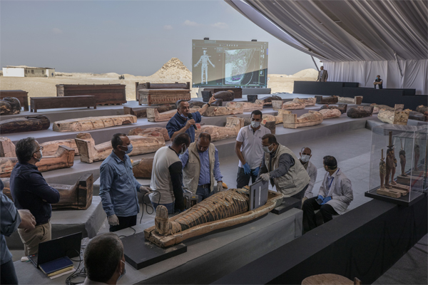 egypt coffin discovery 2020 best archeological discovery 2020, Egypt discovers 100 intact, sealed and painted coffins and a collection of 40 wooden statues in 2020's biggest archaeological discovery in Egypt, egypt coffin discovery 2020 best archeological discovery 2020 pictures, egypt coffin discovery 2020 best archeological discovery 2020 video