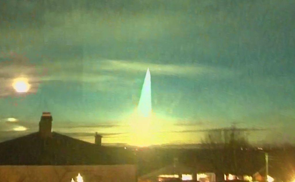 giant meteor fireball expodes over Sweden, giant meteor fireball expodes over Sweden video, giant meteor fireball expodes over Sweden pictures, giant meteor fireball expodes over Sweden november 2020