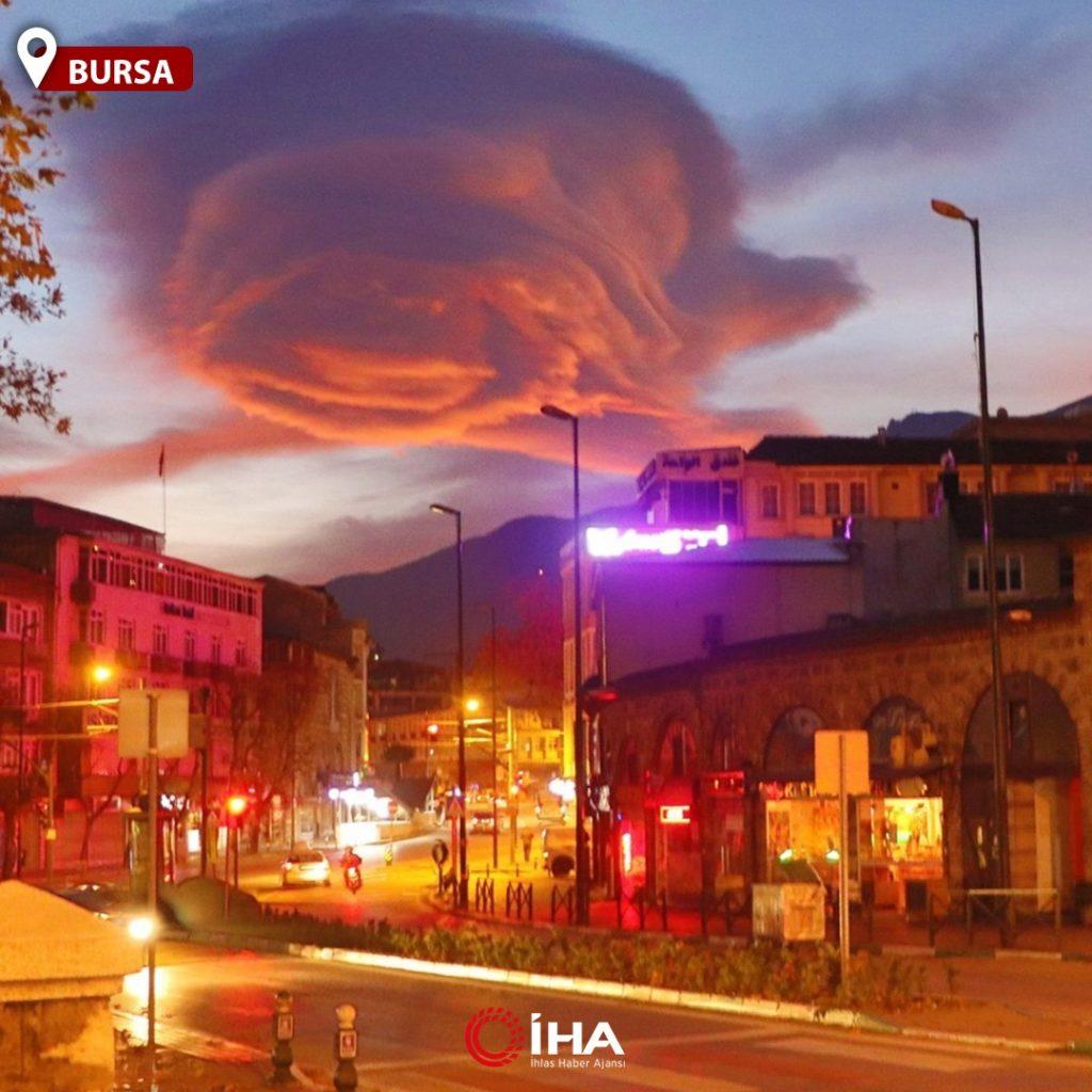fiery lenticular cloud turkey, fiery lenticular cloud turkey pictures, fiery lenticular cloud turkey december 2020, A giant lenticular cloud formed in the sky over Bursa in Turkey on December 10