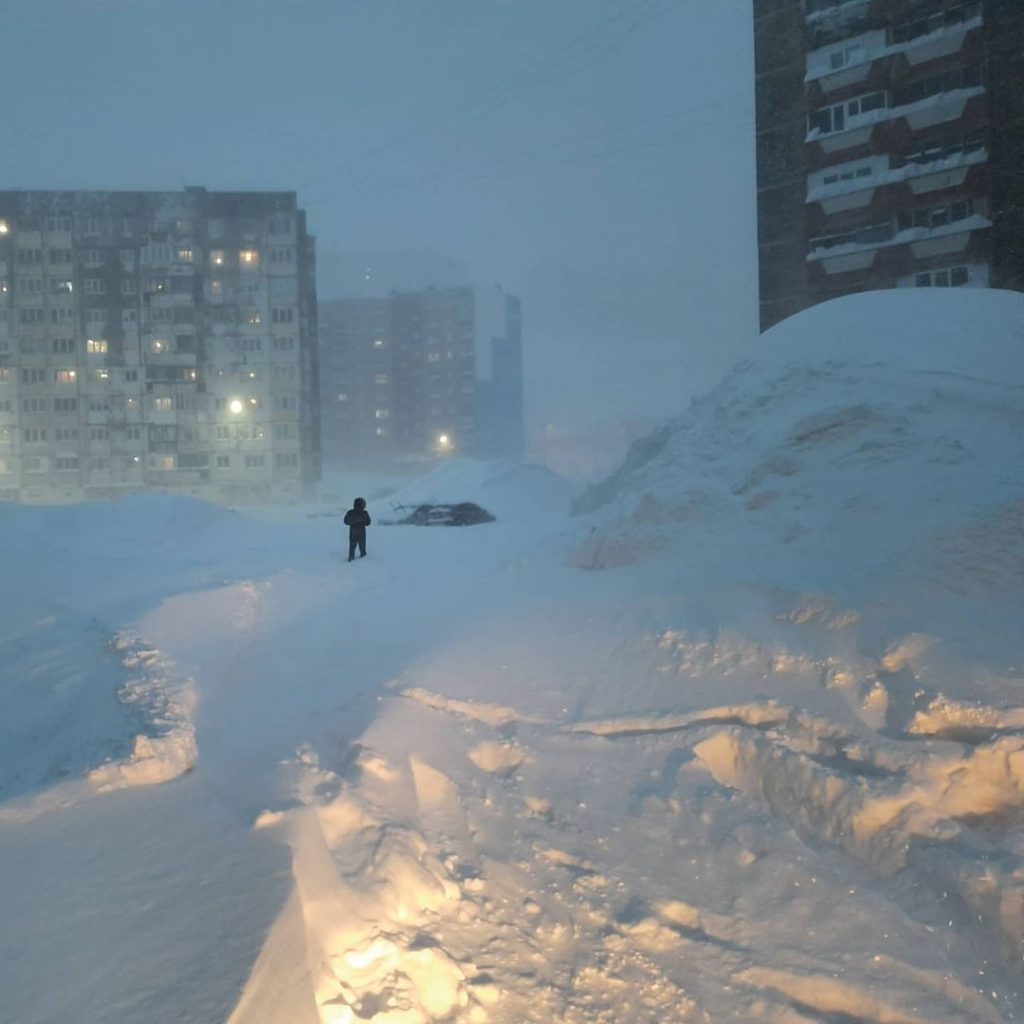 blizzard norilsk russia, apocalyptic blizzard norilsk meters of snow