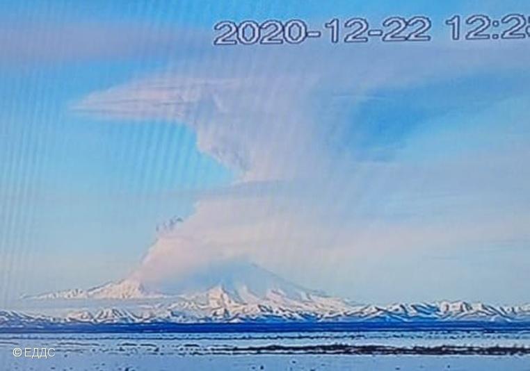 shiveluch eruption december 2020, shiveluch eruption december 2020 pictures, shiveluch eruption december 2020 videos